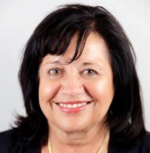 Herta Lehner, Empfang bei Vitamoveo, Praxis für Cranio Sacral Therapie, Osteopathie Baby, Physiotherapie, unerfüllter Kinderwunsch.